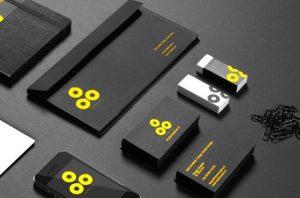 Contoh desain amplop untuk perusahaan Anda